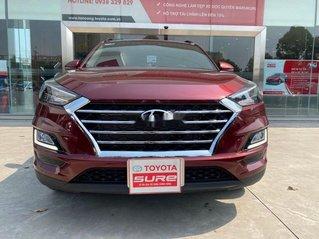 Cần bán gấp Hyundai Tucson năm sản xuất 2020, màu đỏ còn mới giá cạnh tranh