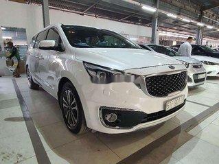 Cần bán gấp Kia Sedona năm 2016, màu trắng chính chủ