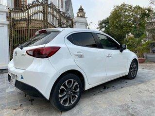 Bán Mazda 2 đời 2016, màu trắng, nhập khẩu, giá tốt