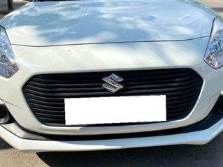 Cần bán lại xe Suzuki Swift 1.4AT năm 2019, màu trắng