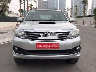 Cần bán xe Toyota Fortuner đời 2014, màu bạc