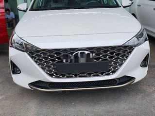 Cần bán xe Hyundai Accent 2021, màu đen