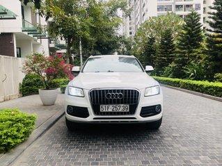 Xe Audi Q5 màu trắng, xe nhập khẩu, một chủ từ đầu, rất mới