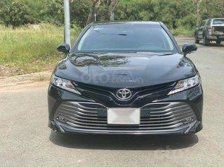 Bán Toyota Camry 2.0G 2019, màu đen, nhập Thái Lan