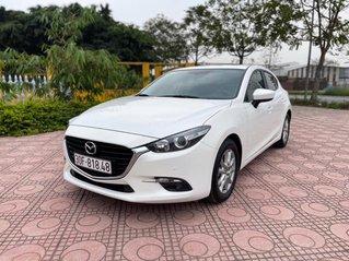Cần bán gấp Mazda 3 hatchback năm 2019, màu trắng cực lướt