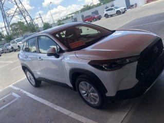Bán xe Toyota Corolla Cross 1.8G sản xuất 2021 - màu trắng giao ngay.
