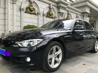 Cần bán BMW 3 Series 320i sản xuất năm 2018, màu đen, xe nhập