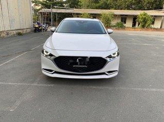 Cần bán lại xe Mazda 3 đời 2019, màu trắng chính chủ, giá 819tr