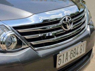 Bán xe Toyota Fortuner năm 2013, màu xám, giá cạnh tranh