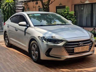 Cần bán Hyundai Elantra sản xuất năm 2017, giá tốt