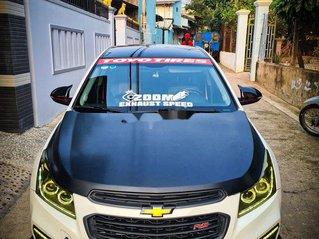 Cần bán Chevrolet Cruze năm sản xuất 2017, hai màu còn mới