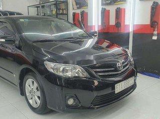 Cần bán Toyota Corolla Altis đời 2013, màu đen, xe gia đình