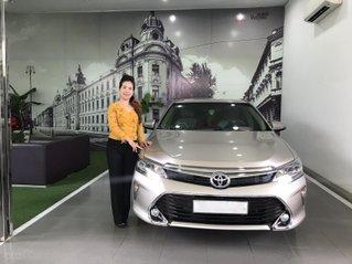 Xe Toyota Camry 2.0E cuối năm 2018, 830 triệu