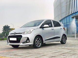 Cần bán xe Hyundai Grand i10 1.2AT sản xuất năm 2018, màu bạc giá cạnh tranh