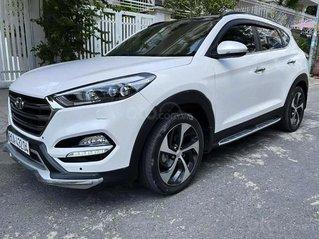 Cần bán Hyundai Tucson sản xuất 2017, màu trắng, xe nhập