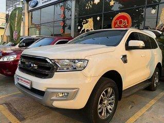 Cần bán Ford Everest sản xuất năm 2016, màu trắng, nhập khẩu