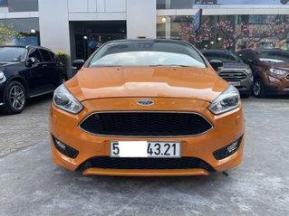 Ford Focus Sport cam đen xe đẹp cho mọi người