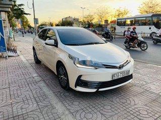 Bán Toyota Corolla Altis 2018, màu trắng, xe chính chủ