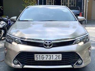 Bán Toyota Camry đời 2018, màu vàng cát, nhập khẩu