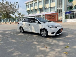 Bán xe Toyota Vios sản xuất 2017, màu trắng số sàn