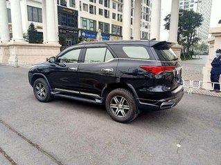 Cần bán Toyota Fortuner 2.7 AT sản xuất năm 2018, màu đen