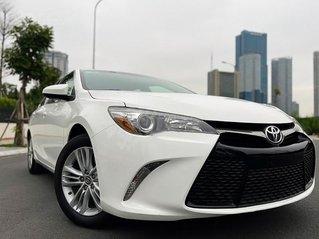 Cần bán lại xe Toyota Camry 2.5 AT 2015, màu trắng, nhập khẩu