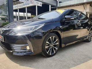 Cần bán Toyota Corolla Altis 2018, màu đen chính chủ