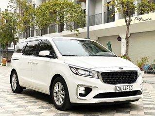 Cần bán lại xe Kia Sedona 2.2 DAT Luxury đời 2019, màu trắng còn mới