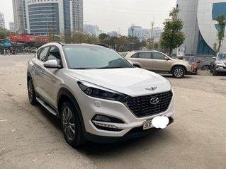 Bán xe Hyundai Tucson đời 2019, màu trắng, xe nhập số tự động