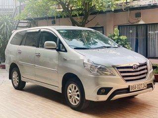 Bán xe Toyota Innova sản xuất 2014, giá thấp