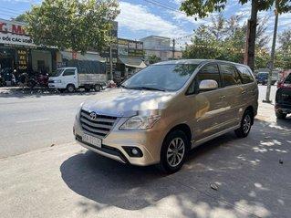 Bán xe Toyota Innova, vàng cát, sản xuất năm 2015, giá tốt