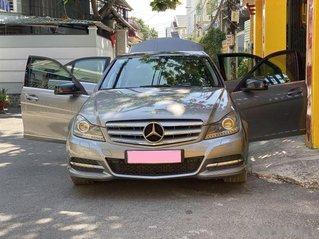 Bán Mercedes C class sản xuất 2012, màu xám còn mới