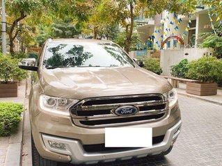 Cần bán xe Ford Everest đăng ký 2016, màu vàng nhập khẩu giá tốt 910 triệu đồng
