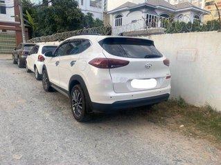 Cần bán Hyundai Tucson sản xuất 2019 còn mới