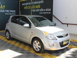 Hyundai i20 1.4AT 2011 giá chỉ 306 triệu