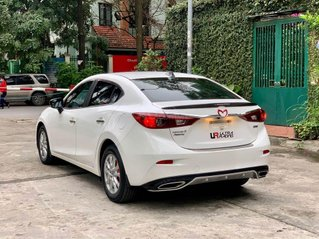 Cần bán gấp Mazda 3 2018, màu trắng