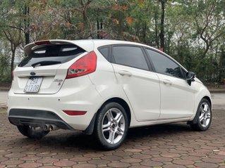 Bán Ford Fiesta sản xuất 2011 còn mới, 279 triệu