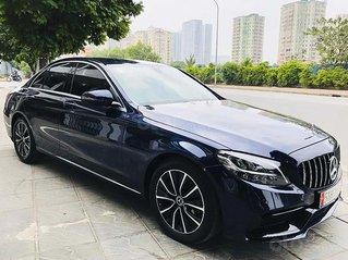 Xe Mercedes C200 sản xuất năm 2019, màu xanh lam, nhập khẩu