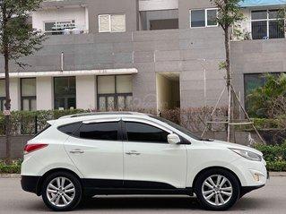 Cần bán lại xe Hyundai Tucson năm sản xuất 2011, màu trắng chính chủ