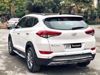 Bán Hyundai Tucson đời 2018, màu trắng