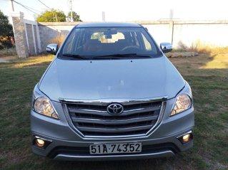 Cần bán lại xe Toyota Innova sản xuất năm 2014