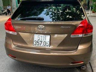 Cần bán xe Toyota Venza năm sản xuất 2012, xe nhập còn mới