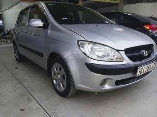 Bán Hyundai Getz 2010, màu bạc còn mới