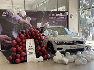 Xe Đức SUV, 7 chỗ nhập khẩu 2.0 Turbo Tiguan Luxury S 2021, màu trắng nội thất sang trọng