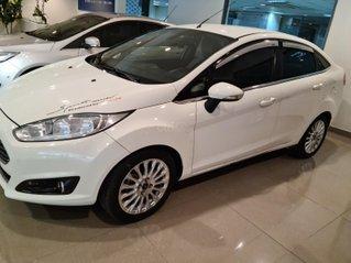 Bán xe Ford Fiesta Titanium 2014, màu trắng