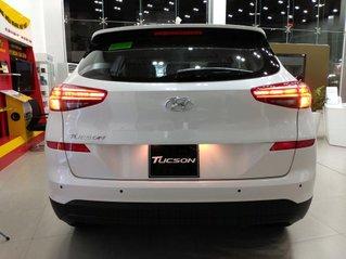 Bán xe Hyundai Tucson đời 2021, màu trắng, giá tốt