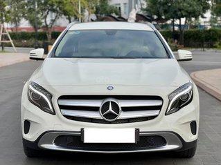 Cần bán Mercedes Benz GLA 200, trắng, biển HN