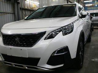 Cần bán Peugeot 5008 năm sản xuất 2018, màu trắng