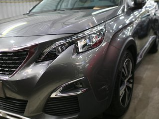 Cần bán Peugeot 5008 năm 2019, màu xám