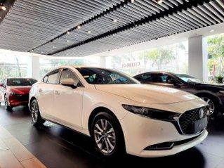[Mazda HCM] new Mazda 3 - giảm tiền mặt - tặng bảo hiểm vật chất - giá tốt nhất miền Nam, xe đủ màu giao ngay